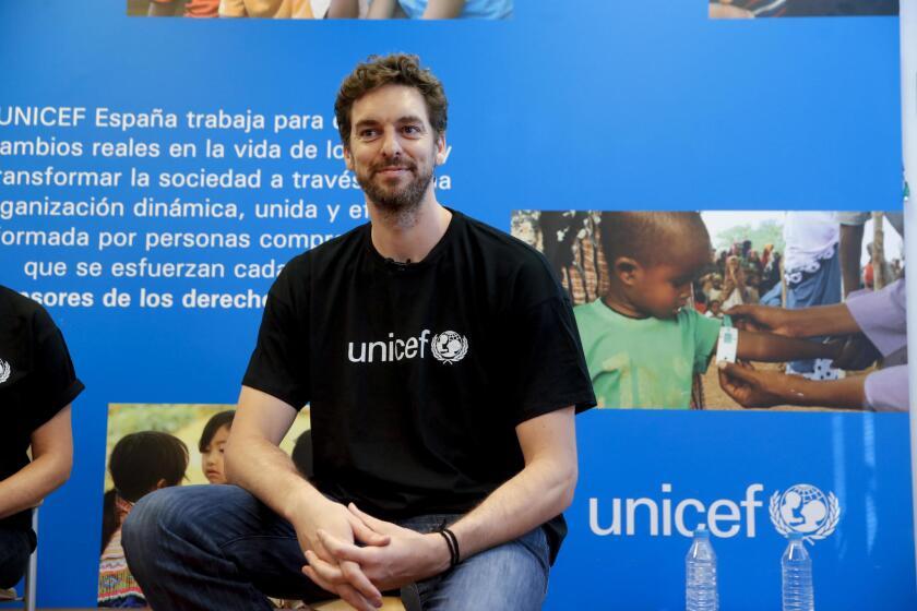 Pau Gasol, bicampeón de la NBA y Embajador de UNICEF, durante la rueda de prensa ofrecida hoy en la sede de UNICEF en Madrid donde ha explicado su experiencia tras visitar a niños y familias refugiadas en Líbano.- EFE/Juanjo Martín ** Usable by HOY and SD Only **