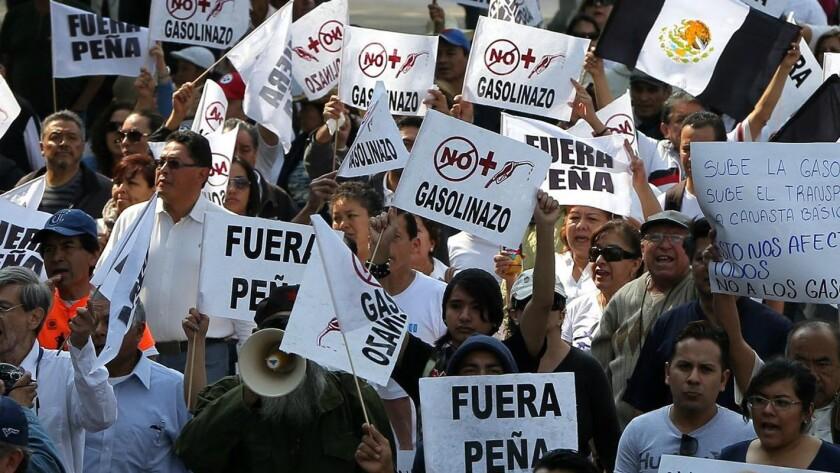 Las protestas crecen en México ante el aumento de precio en los combustibles...