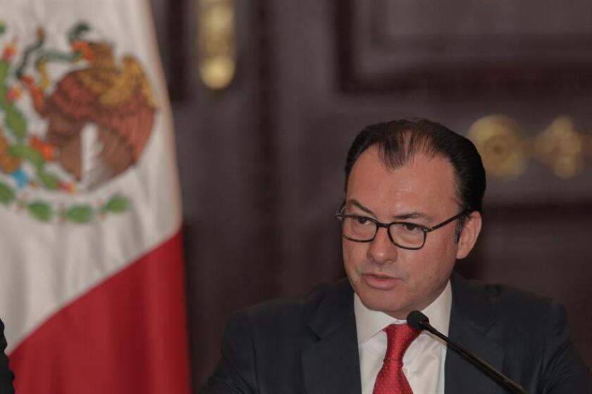 """El canciller mexicano, Luis Videgaray, se mostró hoy confiado en retomar las reuniones con el Gobierno de Donald Trump """"en las próximas semanas"""" pero dejó claro que lo que nunca aceptará su país es pagar por el muro en la frontera común. EFE/ARCHIVO"""