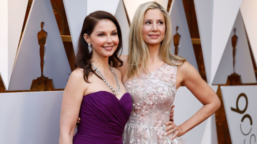 HOLLYWOOD, CA - March 4, 2018 Ashley Judd and Mira Sorvino during the arrivals at the 90th Acade