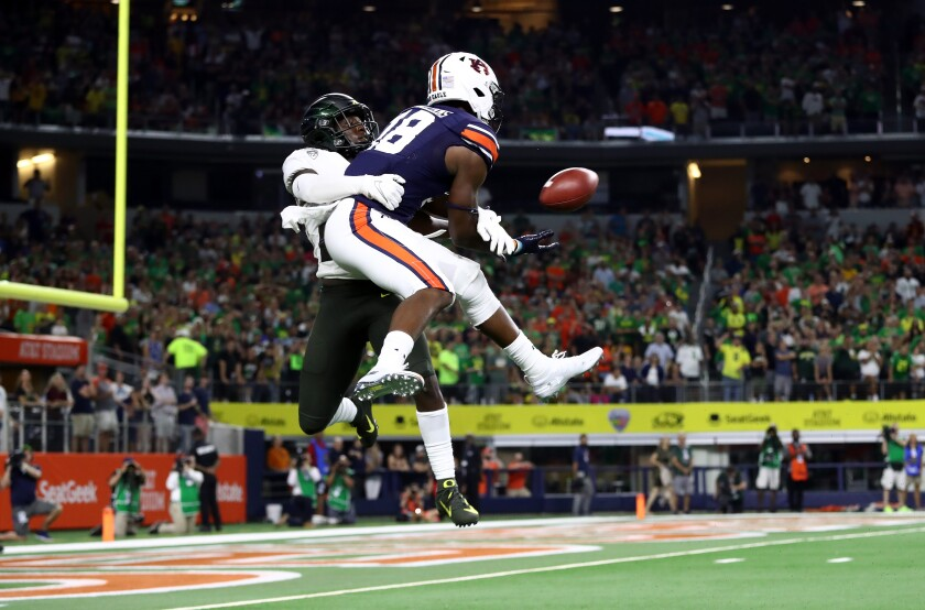 Auburn's Seth Williams beats Oregon's Verone McKinley III for a game-winning 26-yard touchdown catch Aug. 31, 2019.