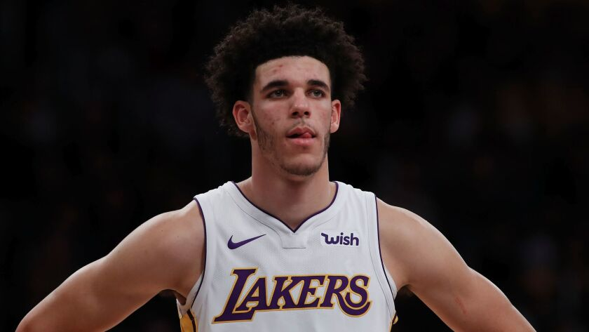 LOS ANGELES, CALIF. - NOV. 1, 2017. Lakers guard Lonzo Ball in the game against the Grizzlies on N
