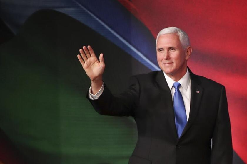 US Vice President Mike Pence waves during the APEC CEO Summit 2018 at the Port Moresby, Papua New Guinea. EFE