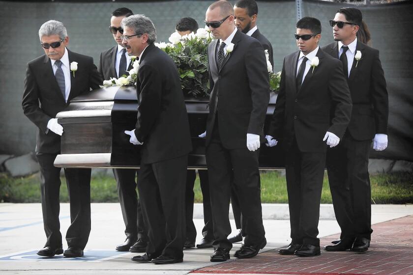 la-2447008-me-sb-velasco-funeral-bwd1-jpg-20151210