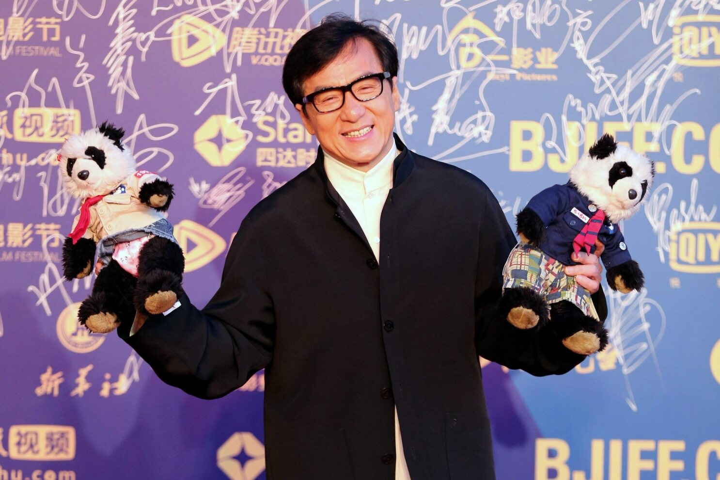 Jackie Chan says he's 'numb' to beautiful women, admits