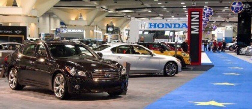 01045-20140101 2014 San Diego International Auto Show-1of2