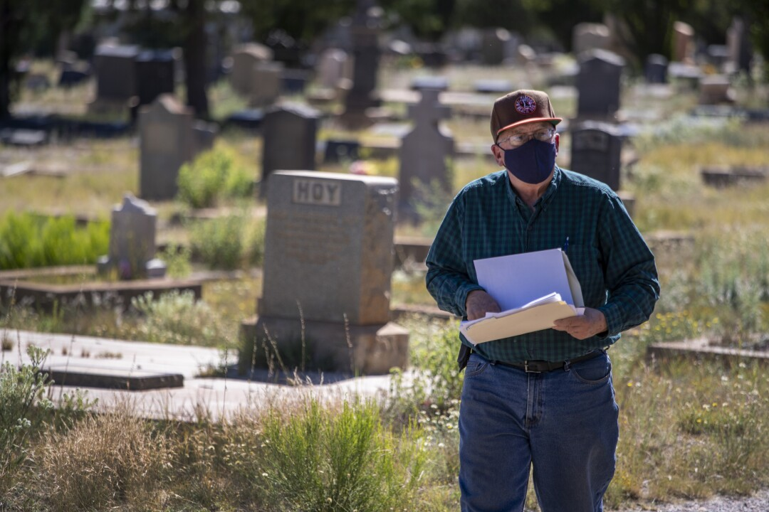 Historian Mike Anderson at Evergreen Cemetery in Arizona