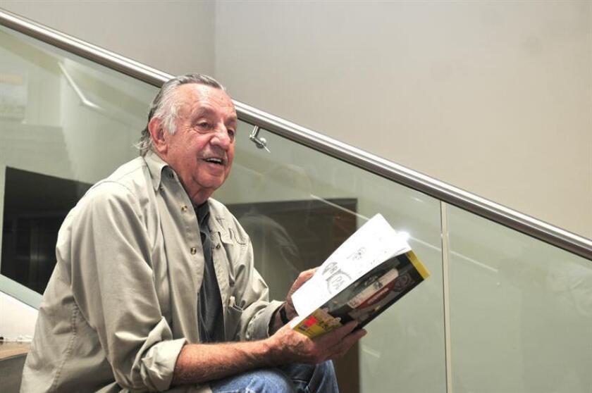 """El caricaturista y autor de """"Los Supermachos"""", Eduardo del Río, conocido artísticamente como """"Rius"""", recibe hoy el primer reconocimiento de caricatura Gabriel Vargas, por ser considerado un referente cultural en México. EFE/ARCHIVO"""