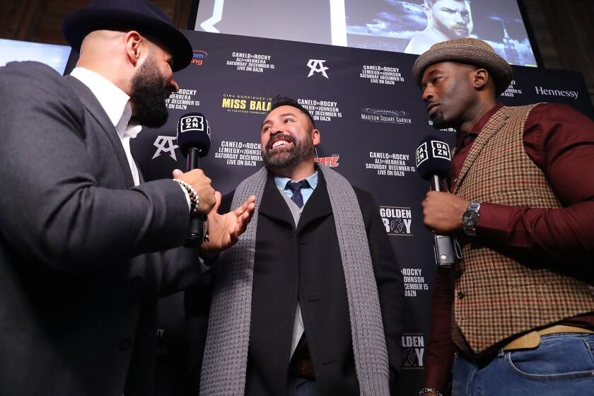 De La Hoya RETA al presidente de UFC para una pelea el Cinco de Mayo