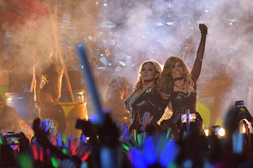 Gloria Trevi durante la ceremonia mas reciente de los Premios Juventud, el 14 de julio en Miami, Florida.