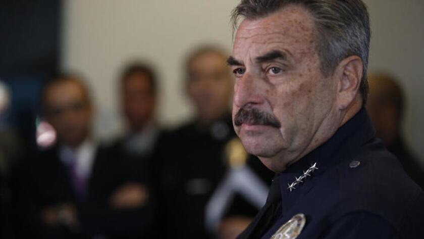 Debido a la violencia en Los Angeles, activistas pidieron la renuncia de Charlie Beck.