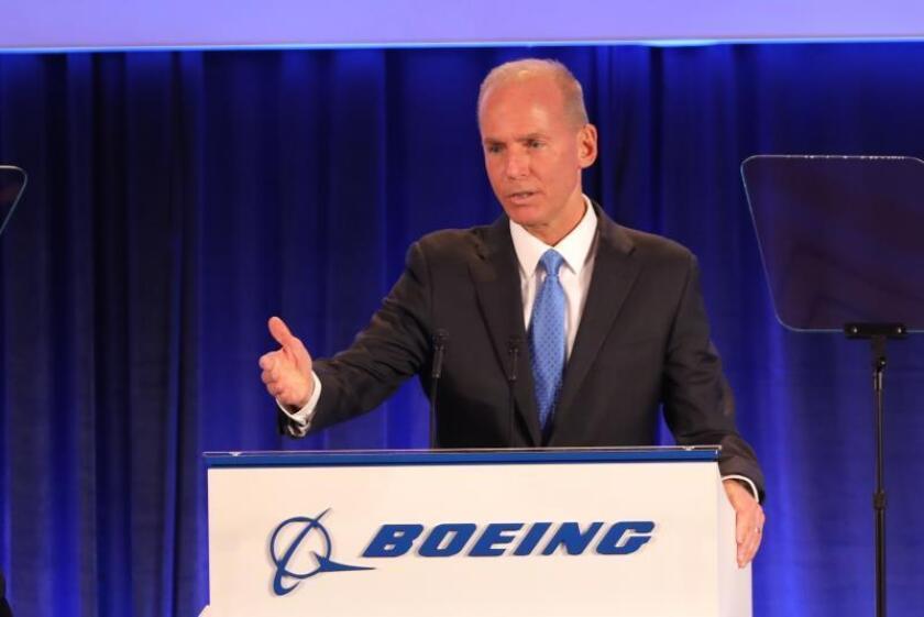 Boeing cree que el 737 MAX volará de nuevo a final de año y subirá producción