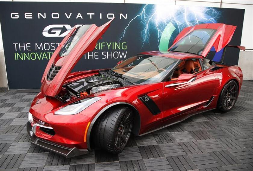 El vehículo eléctrico Genovation GXE es presentado durante el show del motor Automobility LA en el Centro de Convenciones en Los Ángeles, California (Estados Unidos). EFE