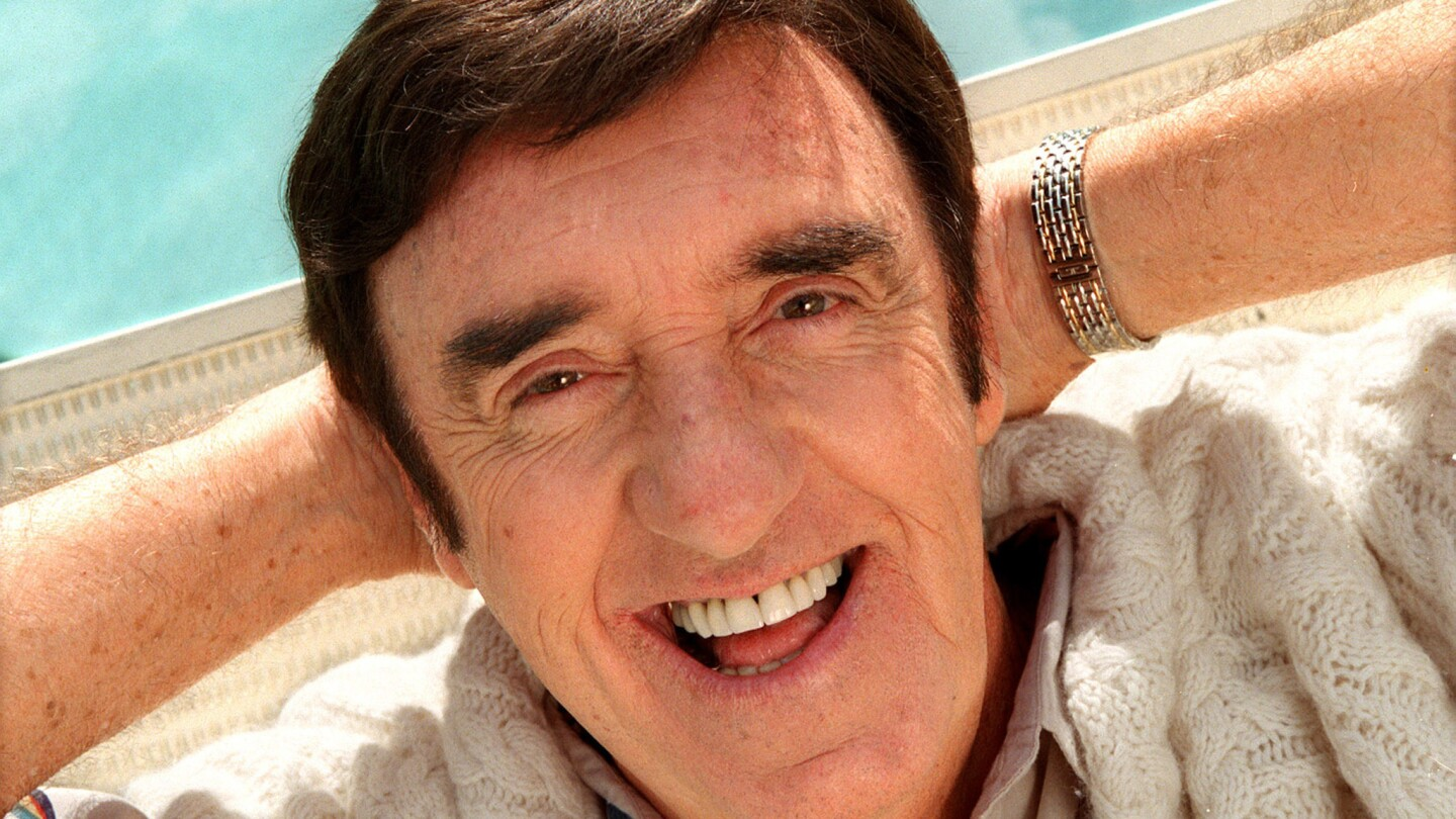 Jim Nabors at the Beverly Hills Hilton Hotel, May 16, 2000.