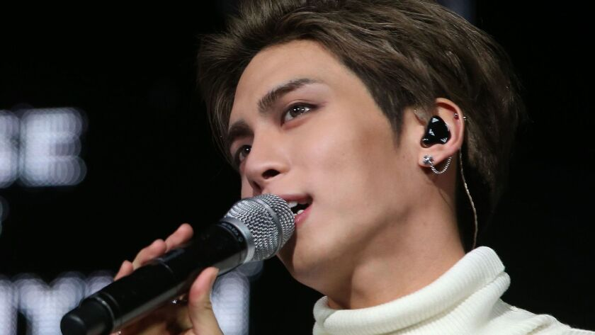Kim Jong-hyun, singer of the popular K-pop group SHINee, has died after being found unconscious at a residence hotel in Seoul.