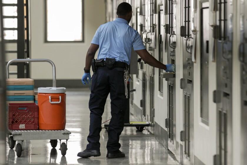 3016105_ME_0831_Adelanto_Prison_IK