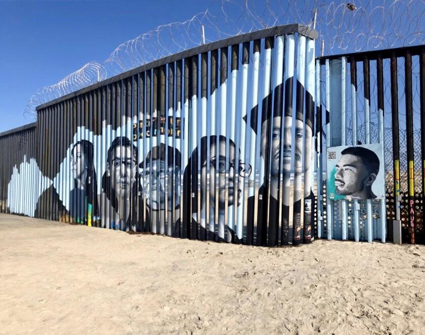 Mural interactivo que hace referencia a los migrantes deportados. Es una idea de Lizbeth de la Cruz Santana.