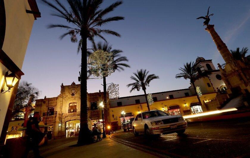 El 8 de noviembre, los votantes aprobaron la Proposición 64, convirtiendo a California en el estado más poblado de la nación para legalizar el uso recreativo de la hierba.