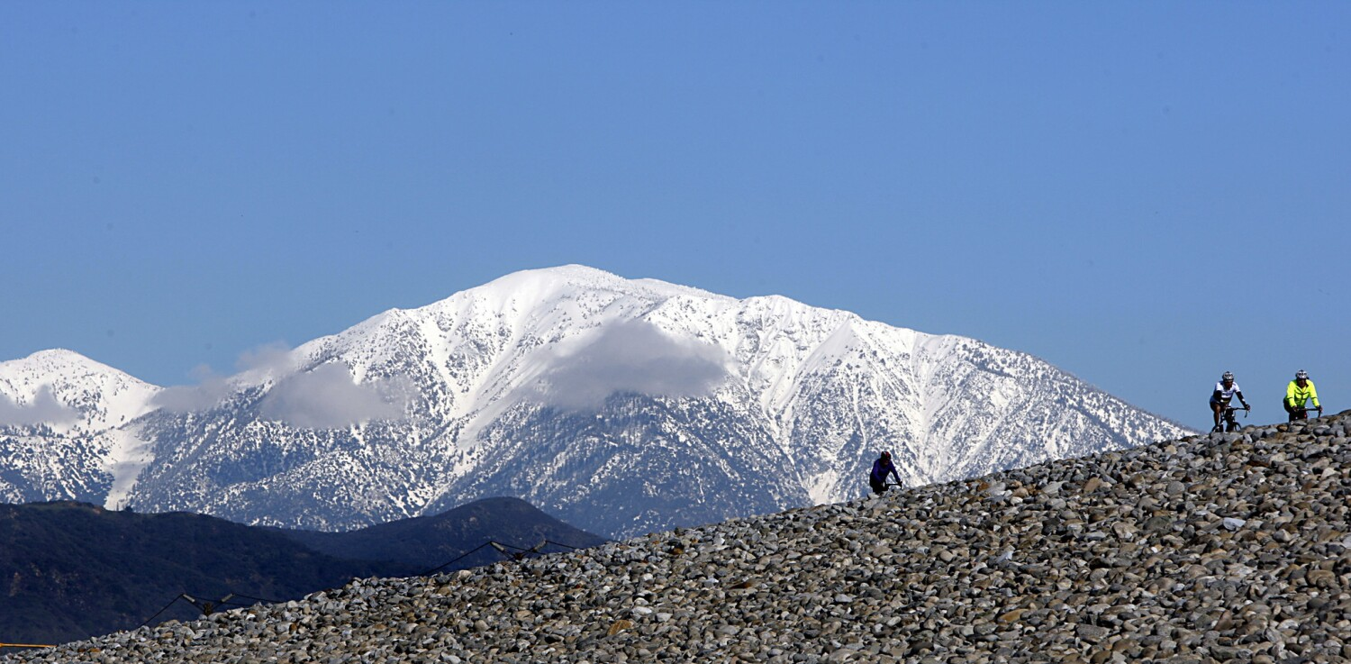 Unprepared hikers rescued from Mt. Baldy area
