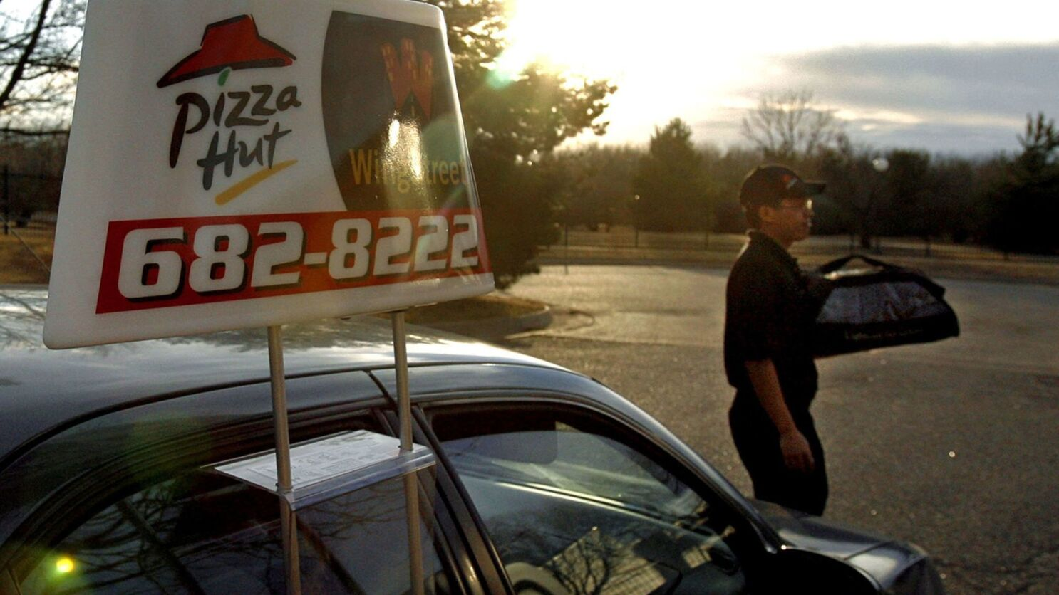 Pizza Hut Is The New Official Pizza Of The Nfl After Papa John S Slices Its Sponsorship Deal Los Angeles Times