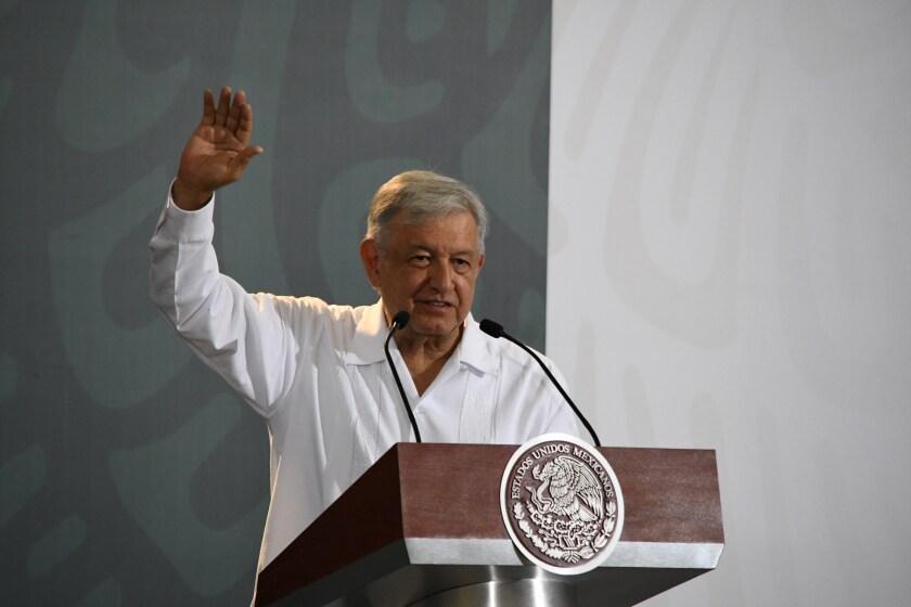 El presidente de México, Andrés Manuel López Obrador, habla durante su rueda de prensa matutina
