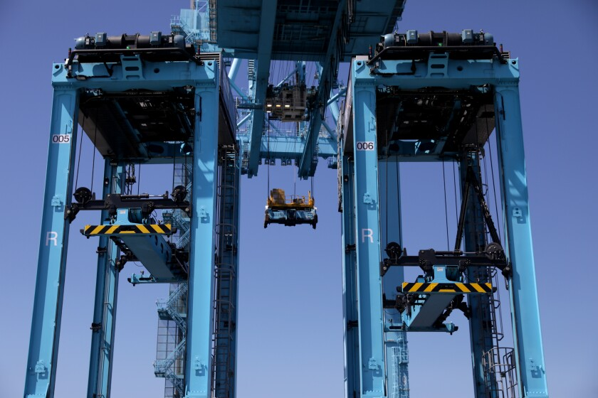 Driverless straddle carriers at Maersk's APM Terminal