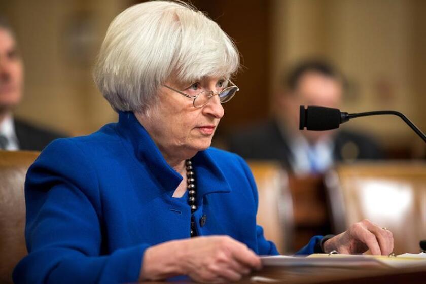 La presidenta de la Reserva Federal, Janet Yellen, testifica ante el Comité Económico conjunto del Congreso para comentar las perspectivas económicas antes de dejar su cargo en febrero de 2018, en Washington (Estados Unidos) hoy, 29 de noviembre de 2017. EFE