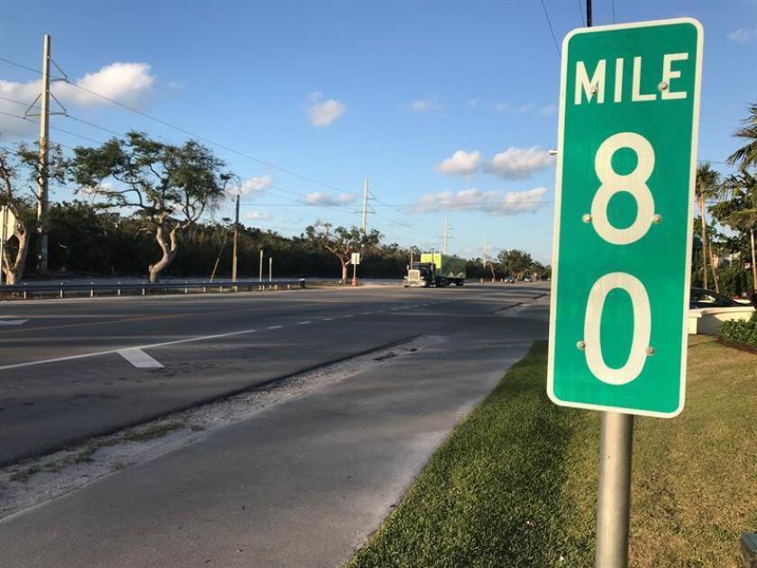 El Departamento de Transporte de Florida aprobó reducir el límite de velocidad y prohibir los adelantamientos en el tramo de la carretera de los Cayos de Florida donde a comienzos de marzo cuatro jóvenes españolas murieron en un grave accidente de tráfico, informó hoy el diario digital Flkeysnews. EFE/Archivo