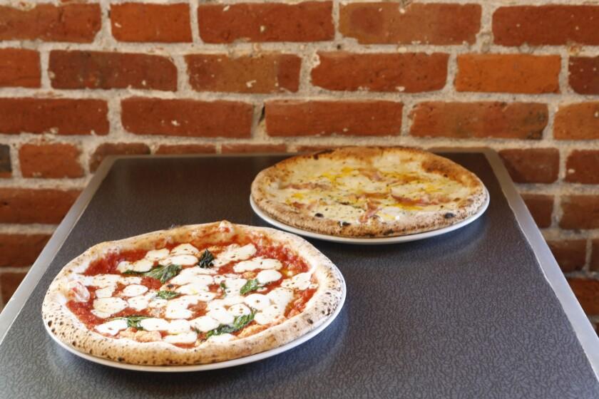 la-tr-travel-pizza-honolulu-Brick Fire Tavern .JPG