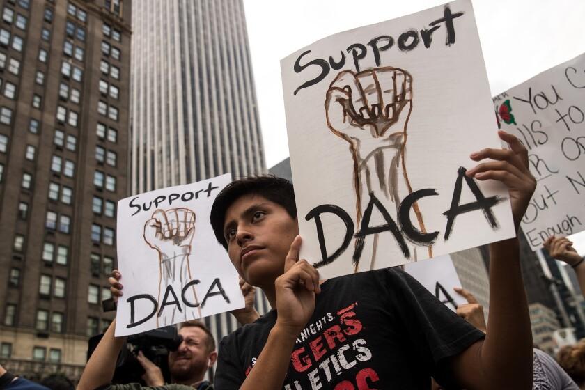 Inmigrantes y activistas salen con esperanza a pedir un cambio.