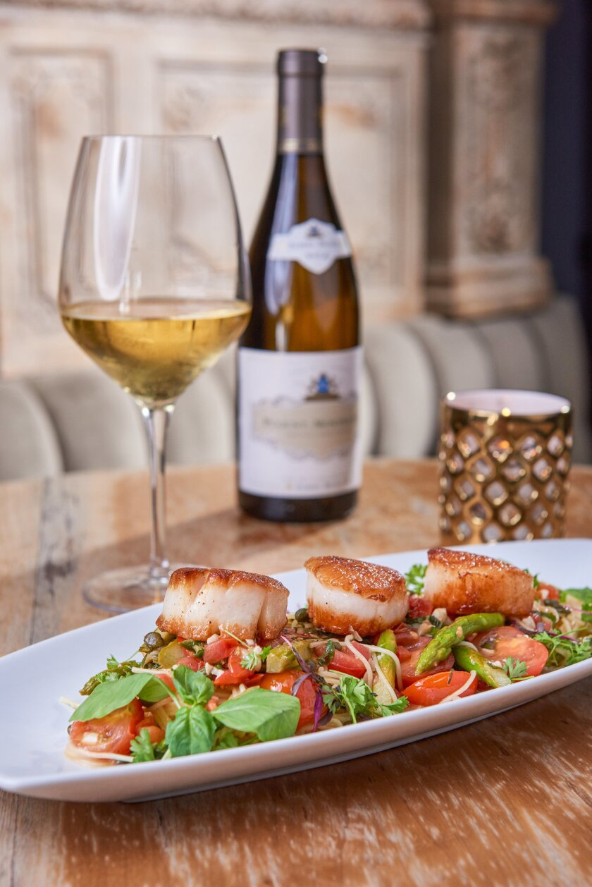 Scallops and wine from Nick & G's