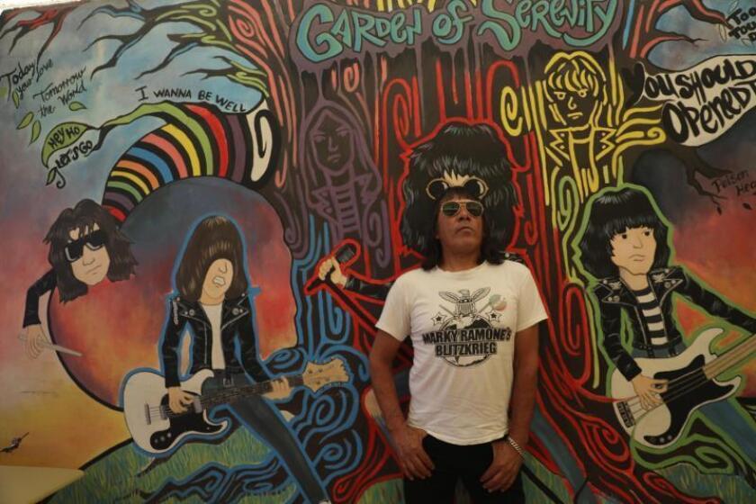 Los Ramones y el punk nunca mueren en peligrosa ciudad mexicana de Ecatepec