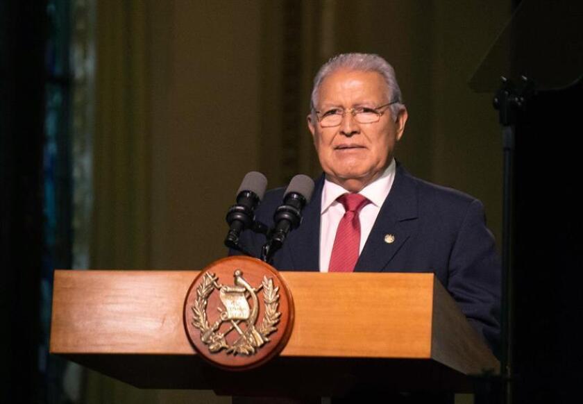 El presidente salvadoreño felicita a López Obrador por ganar comicios mexicanos