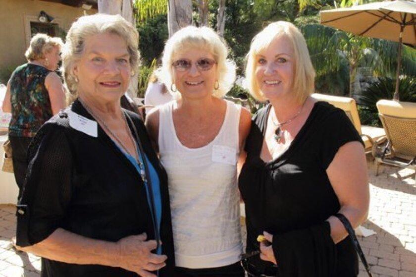 Barbara Reilly, Anita Skellie, Lindsay Hinch