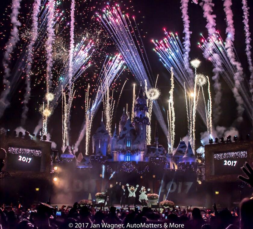 Mickey & Minnie celebrate 2017