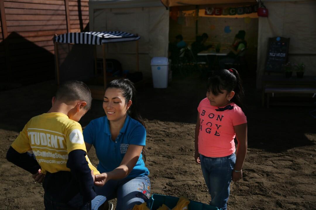 473913_la-fg-col1-mexico-tijuana-school_98.jpg