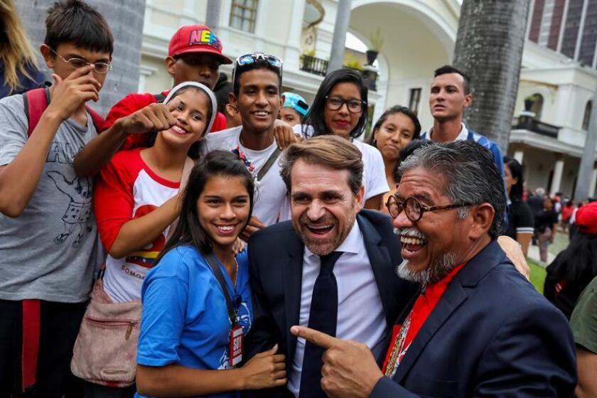 El gobernador chavista del estado venezolano de Carabobo, Rafael Lacava (c), aborda estos días con congresistas en Washington la liberación del estadounidense arrestado en Caracas Joshua Holt, confirmaron hoy a Efe fuentes legislativas. EFE/Archivo