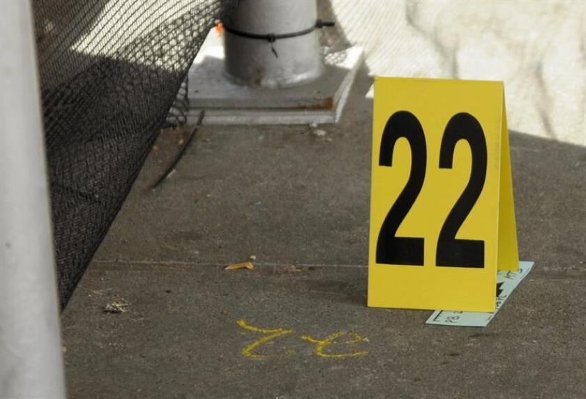 El casquillo de una bala marcado por la Policía de Nueva York, tras un tiroteo en Queens. EFE/Archivo