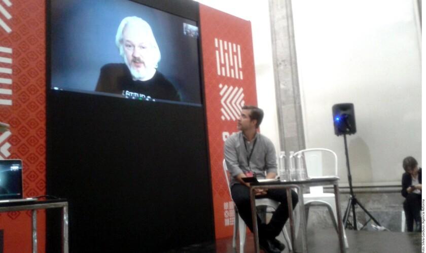 La fiscalía de Ecuador anunció el lunes que por petición de la justicia de Suecia, interrogará el 17 de octubre al fundador de WikiLeaks, Julian Assange, refugiado en la embajada de Ecuador en Londres desde hace cuatro años.