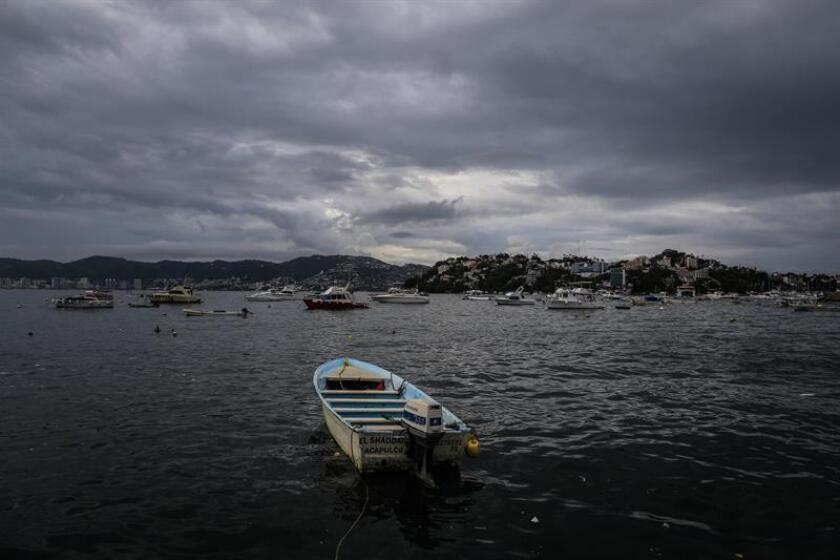 Vista general de la afectación temporal en la zona portuaria de Acapulco, en el estado de Guerrero (México). EFE/Archivo