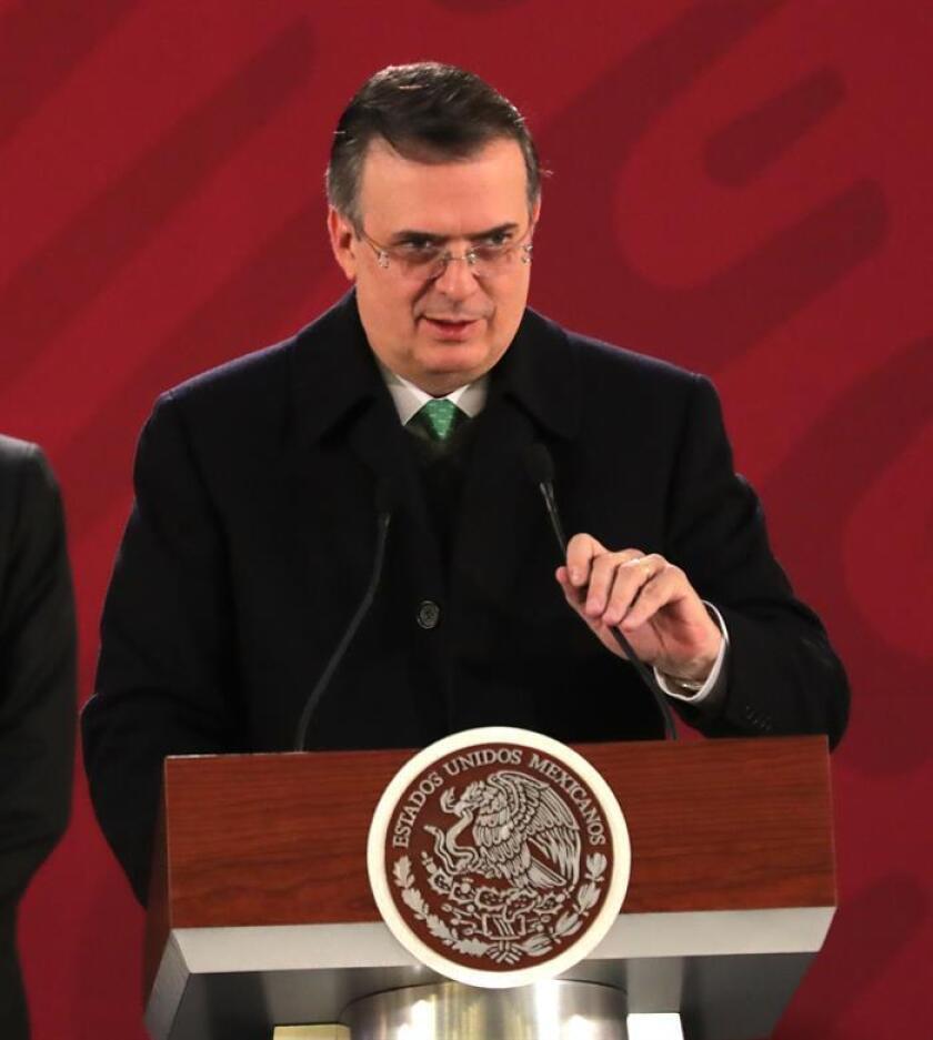 El secretario de Relaciones Exteriores, Marcelo Ebrard, habla este jueves durante una conferencia de prensa en el Palacio Nacional, en Ciudad de México (México). EFE/Carlos Ramos Mamahua/Presidencia/SOLO USO EDITORIAL