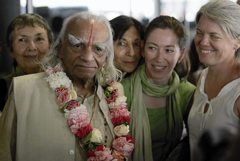 Yoga master B.K.S. Iyengar with his fans and followers in 2005 in Los Angeles.Ali MacGraw and Annette Bening were among his followers.