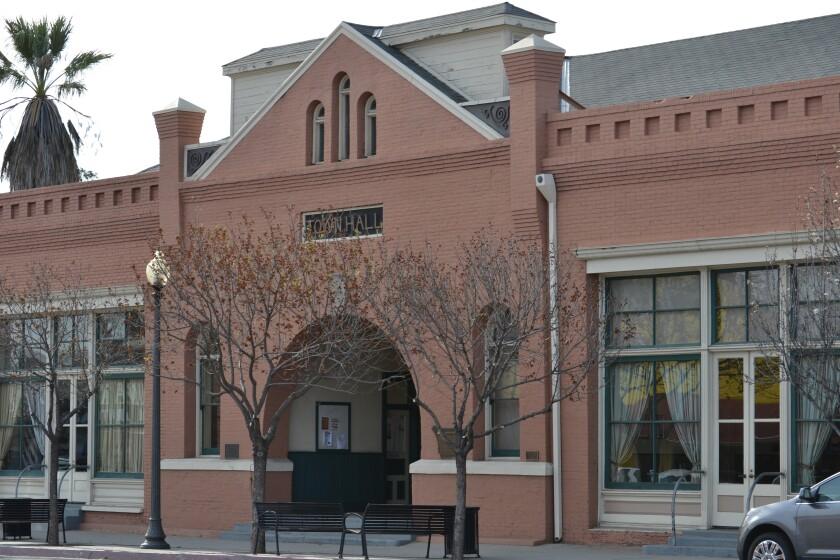 Town Hall.DSC_0753.FEATURE.jpg