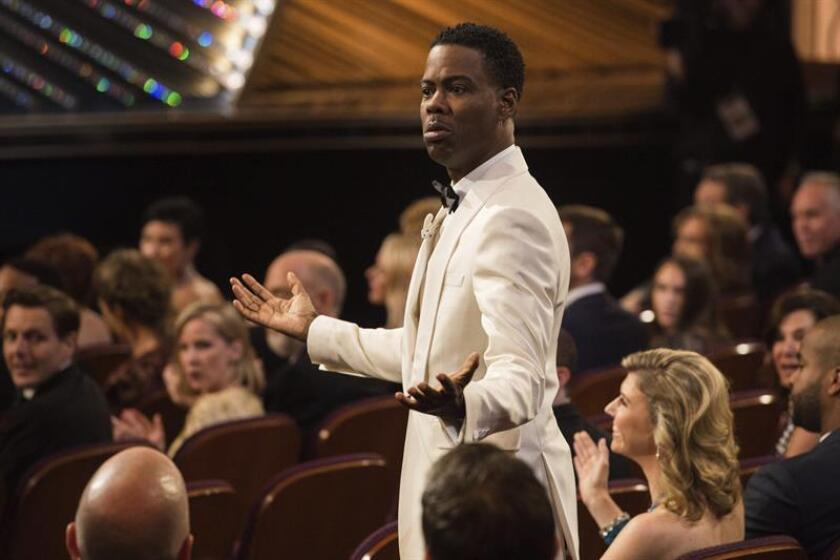 La 88 edición de los Óscar, que se celebró ayer en Los Ángeles, fue seguida a través de la televisión por 34,3 millones de personas, lo que supone la audiencia más baja de los premios de la Academia de Hollywood desde 2008, según las cifras publicadas hoy por Nielsen.