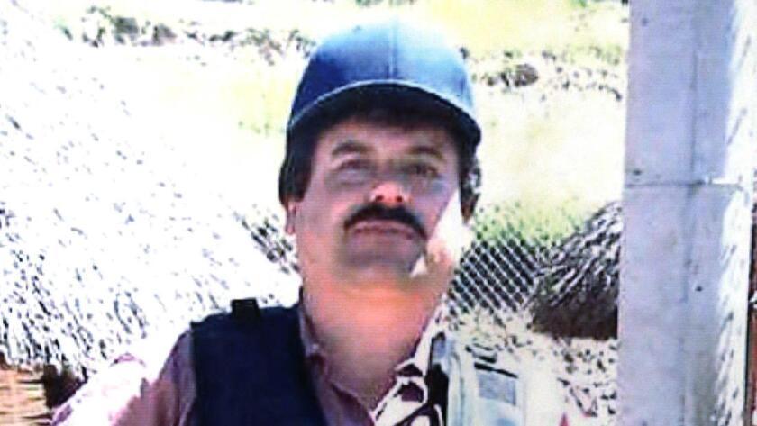 Un cartel exhibido en una conferencia de prensa de la Comisión del Crimen de Chicago, muestra a Joaquín 'El Chapo' Guzmán, quien fue considerado nuevamente el Enemigo Público Nº 1 de Chicago.