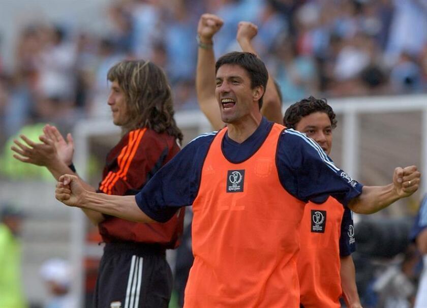 Sus mayores éxitos deportivos los alcanzó en las filas del Milan, conjunto con el que se proclamó campeón de la Serie A y de la Champions League en el año 2003. EFE/Archivo