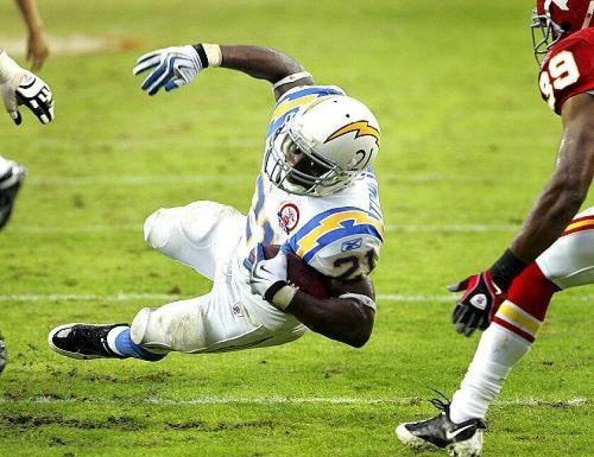 LaDainian Tomlinson was stopped several times inside the 5-yard-line at Kansas City, an ongoing issue with the Chargers offensive line.