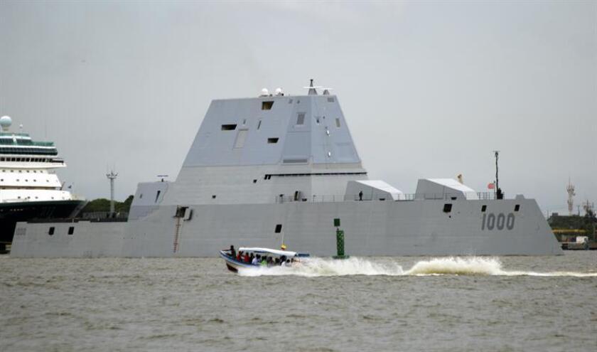 El USS Zumwalt, el destructor más avanzado y futurista jamás construido, estaba llamado a ser piedra angular de EEUU en las guerras del futuro, pero sus fallos y su elevado coste podrían convertirlo en la primera víctima de los recortes del presidente electo, Donald Trump. EFE/ARCHIVO