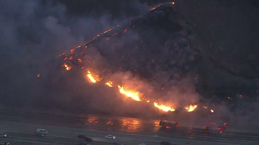 Fire closes eastbound 60 Freeway