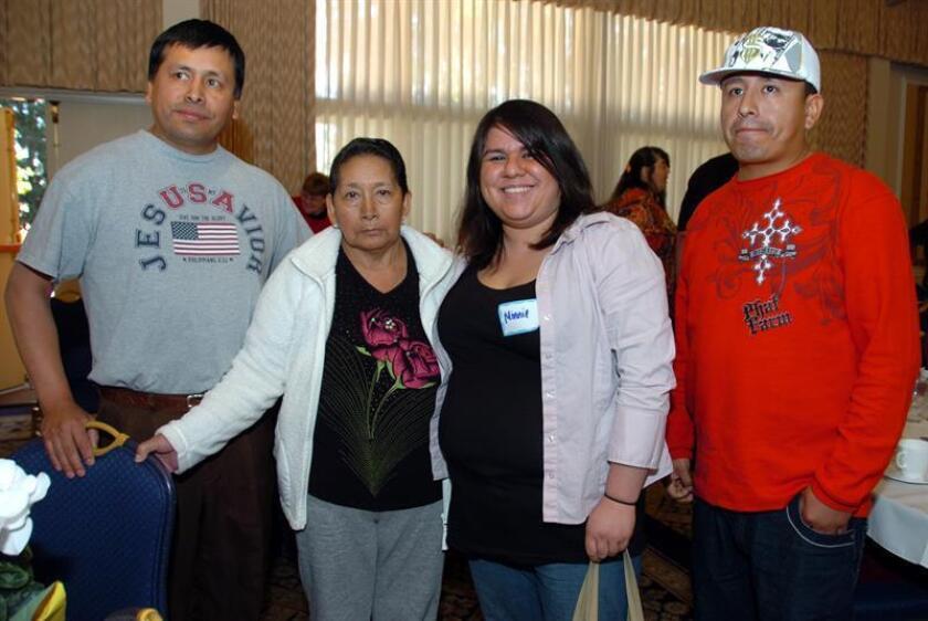 Vista de una familia hispana residente de EEUU. EFE/Archivo